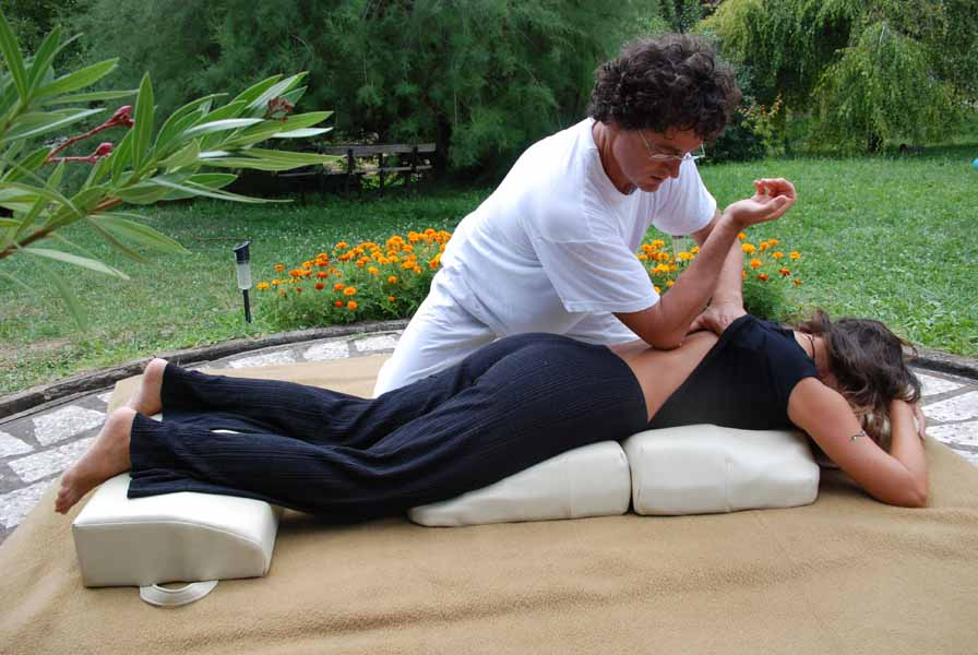 product mats mat massage vibration shiatsu hammacher schlemmer the and